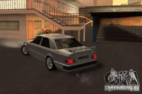 Mercedes-Benz E500 Taxi 1 для GTA San Andreas вид сзади слева