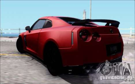 Nissan GTR Egoist 2011 (Версия с грязью) для GTA San Andreas вид слева