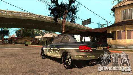 BMW 135i Coupe GP Edition Skin 3 для GTA San Andreas вид сзади слева