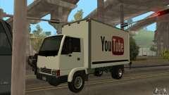 Грузовик с логотипом YouTube