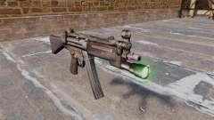 Пистолет-пулемёт HK MP5 с фонариком