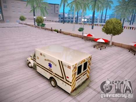 Pierce Commercial Grasonville Ambulance для GTA San Andreas вид сзади слева