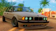 BMW M5 E34 Stance