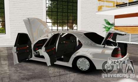 Mercedes Benz с180 для GTA 4 вид сзади