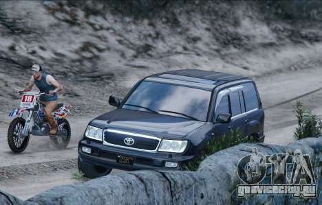 Toyota Land Cruiser 100 для GTA 5 вид слева